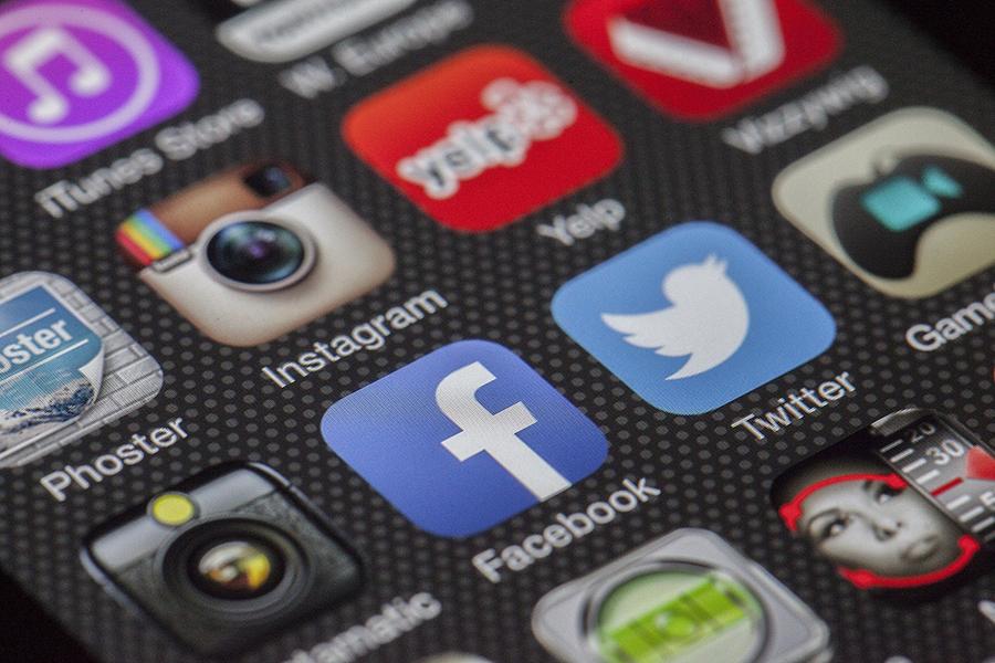 Glane Seven et les réseaux sociaux